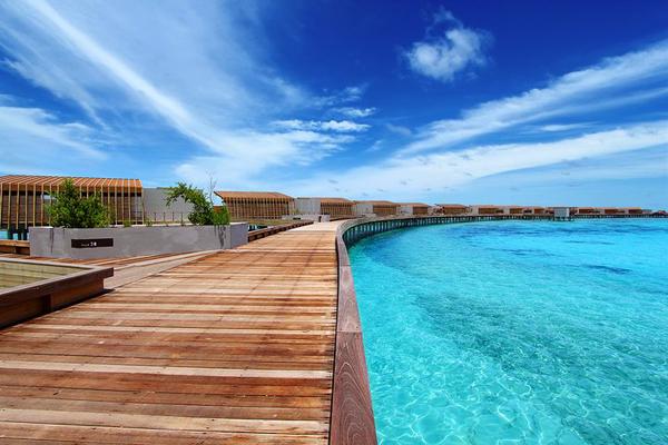 Park Hyatt Maldives Hadahaa Walkway